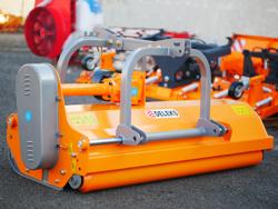 adjustable sideshift flail mower for 60 90hp tractors shredder mulcher for fruit plantage mod rino 180