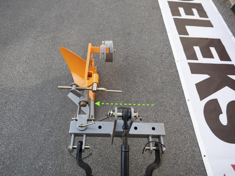 single-furrow-plough-with-gauge-wheel-for-tractors-like-yanmar-iseki-dp-20