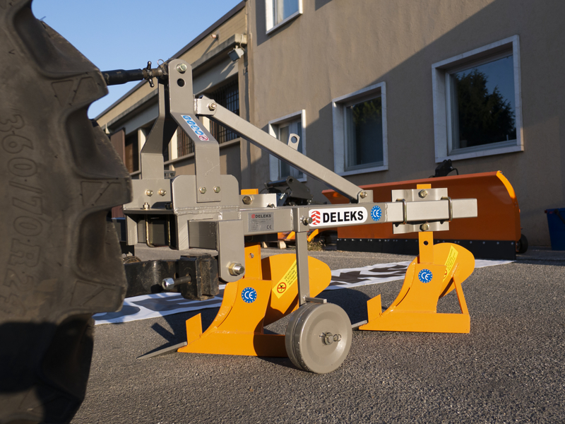 double-plough-for-tractors-like-carraro-ddp-30