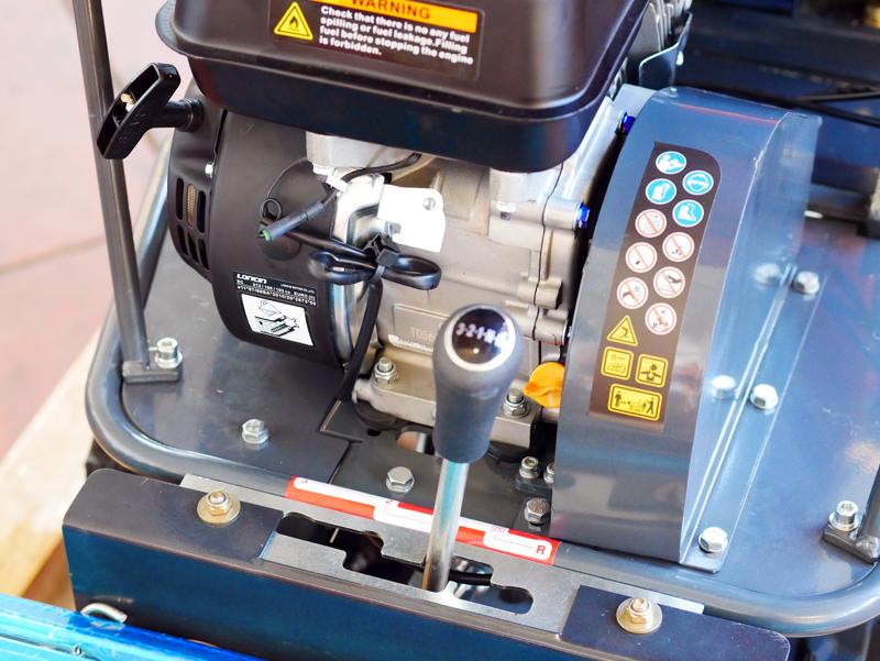 tracked-petrol-chipper-shredder-minidumper-woodchipper-dk-800-green