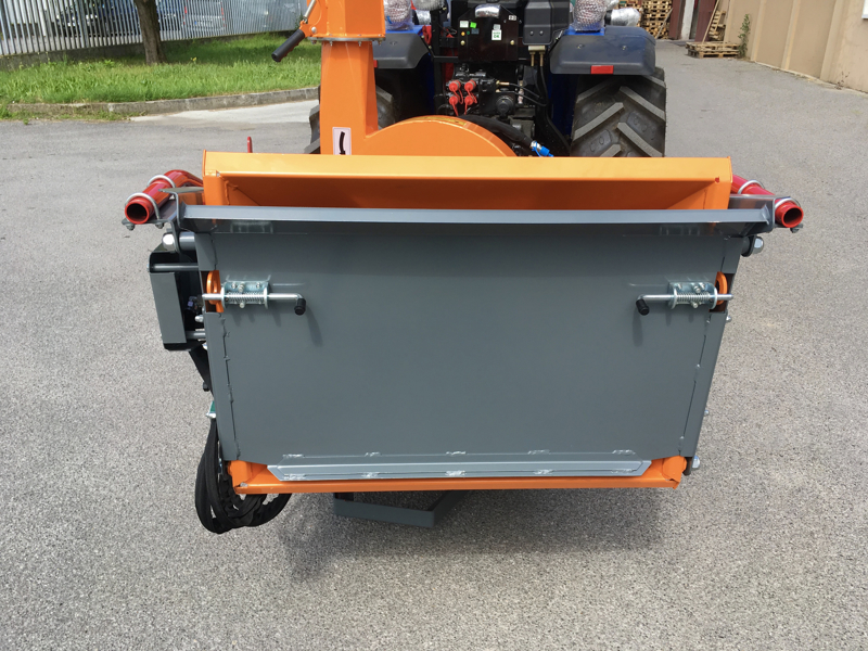 professional-hydraulic-disk-operating-wood-chipper-for-tractor-mod-dk-1800