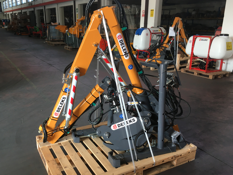 hydraulic-forestry-crane-with-log-grapple-for-tractor-crab-3000