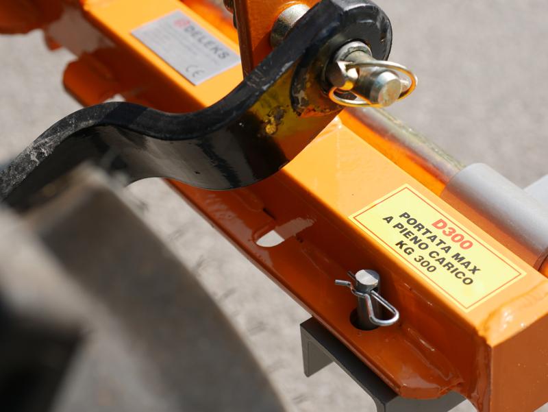 pallet-forks-for-tractors-like-kubota-d-300