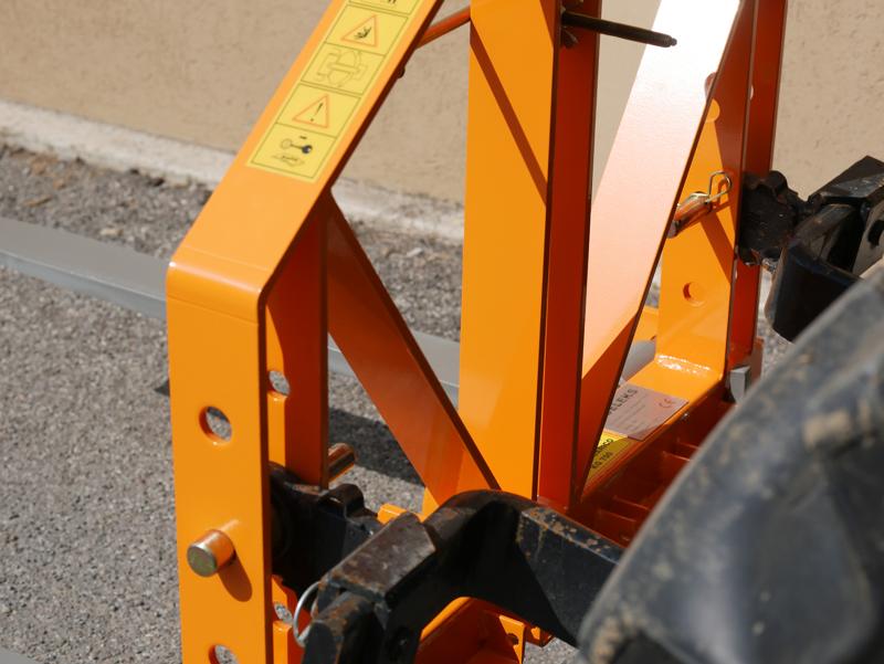 pallet-forks-for-agricultural-tractors-d-700