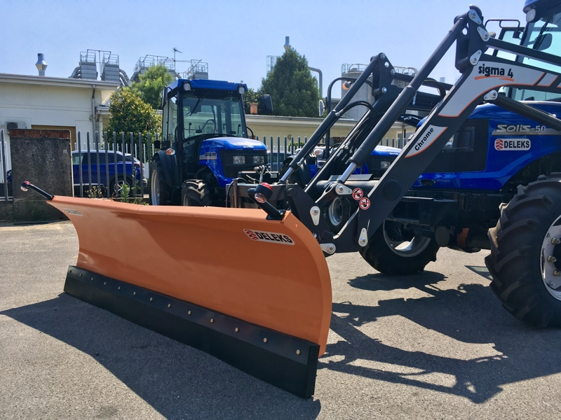snowplow-for-tractor-front-end-loaders-ln-220-e