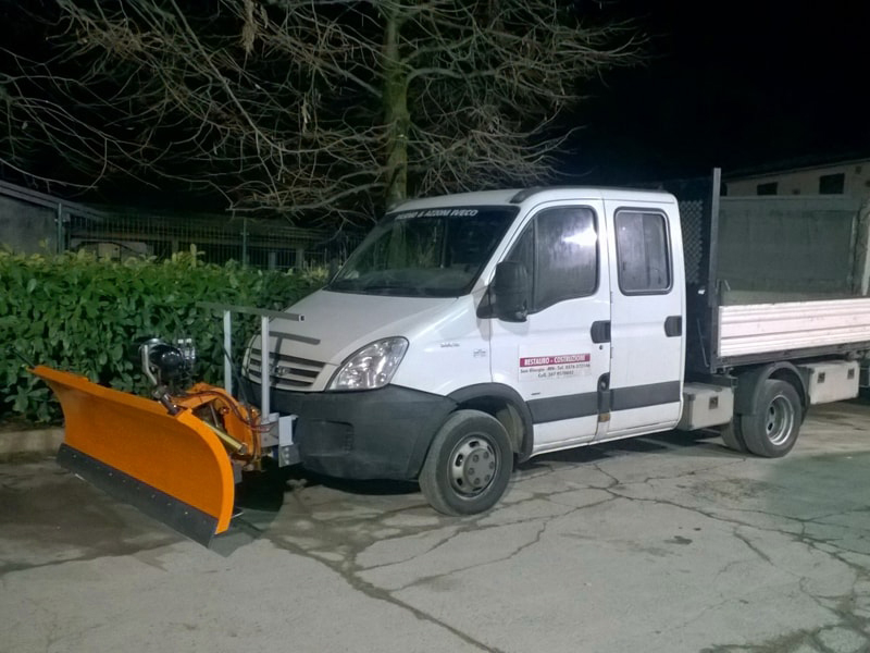 snow-plow-for-cargo-vans-ln-175-j