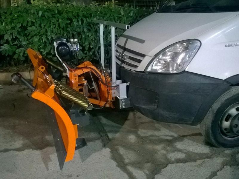 snow-plow-for-cargo-vans-ln-220-j