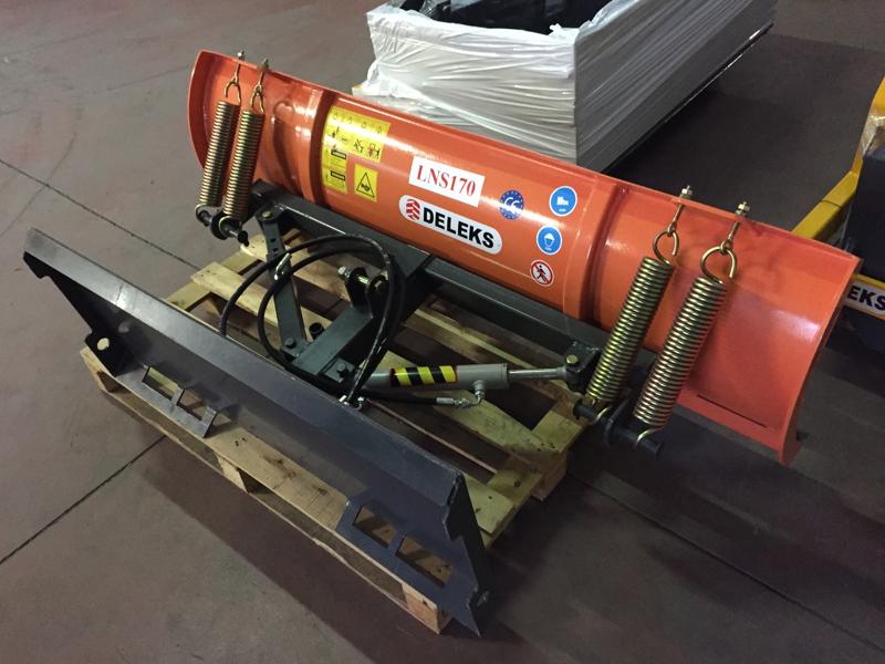 light-snow-plow-for-skid-steer-loaders-lns-130-m
