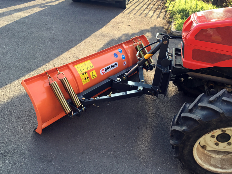 snowplough-with-plate-for-tractor-lns-210-a