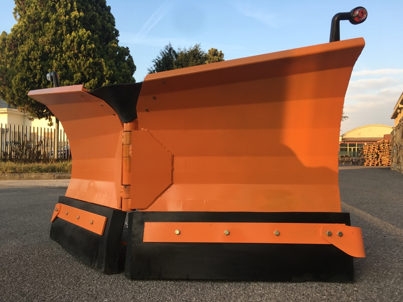 snowplough-for-up-to-3-0-ton-skid-steer-loaders-lnv-200-m