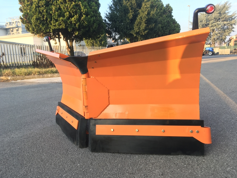 snowplough-for-up-to-3-0-ton-skid-steer-loaders-lnv-220-m