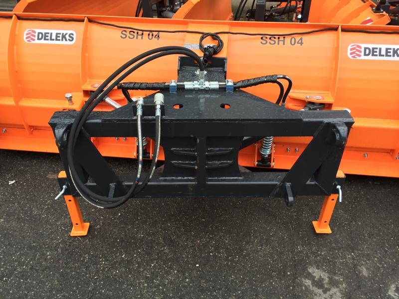 snowplow-for-tractor-front-end-loaders-ssh-04-3-0-e