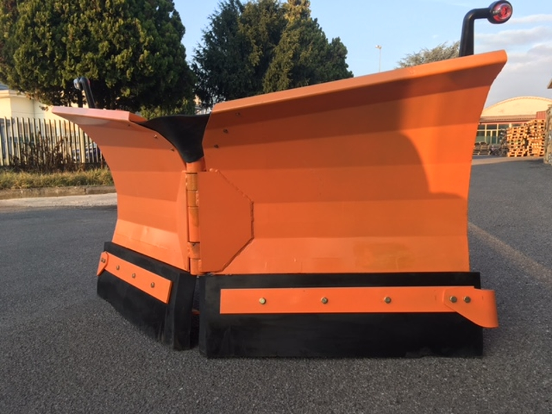 snowplough-for-up-to-3-0-ton-skid-steer-loaders-lnv-300-m
