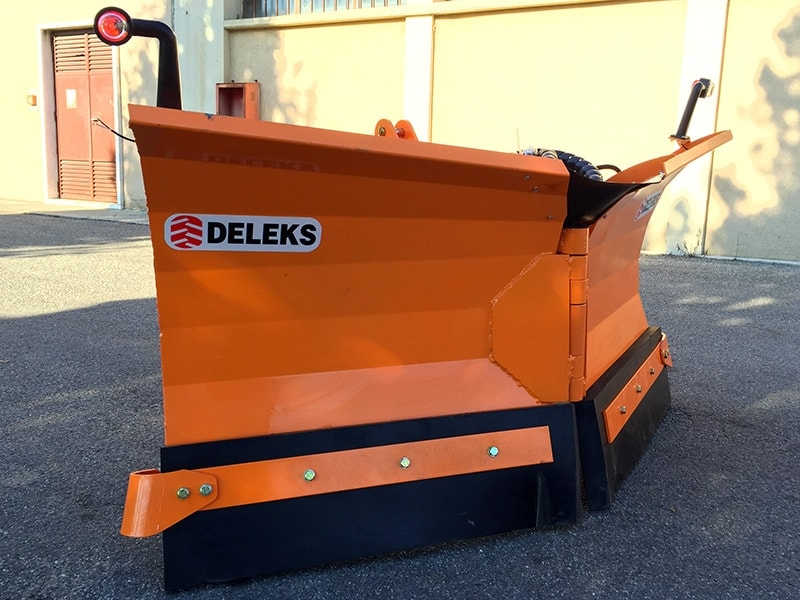 snowplow-with-3-point-linkage-for-tractor-lnv-250-c