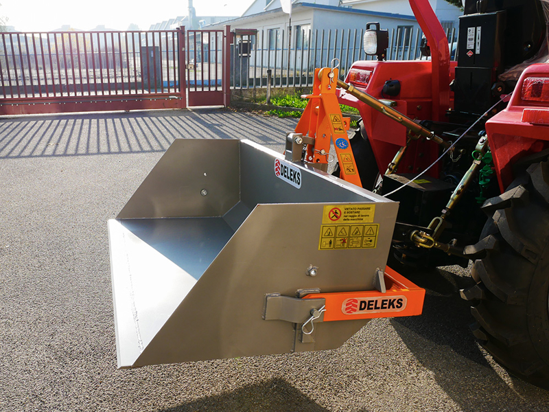 tipping-transportbox-for-tractor-prm-140-l