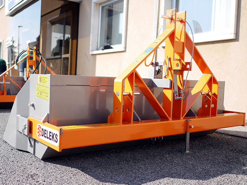 tipping-transportbox-for-tractor-prm-160-h