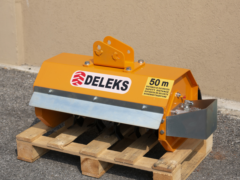 forestry-mulcher-of-60cm-for-mini-excavators-hydraulic-threscher-mod-ar-60