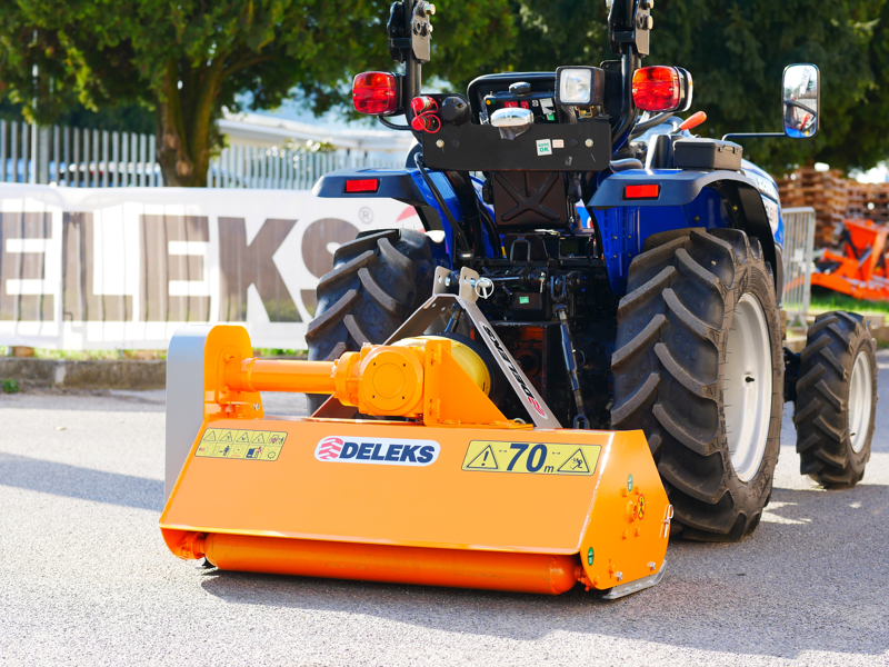 mulcher-for-compact-tractors-120cm-shredder-mower-with-hammers-lince-120