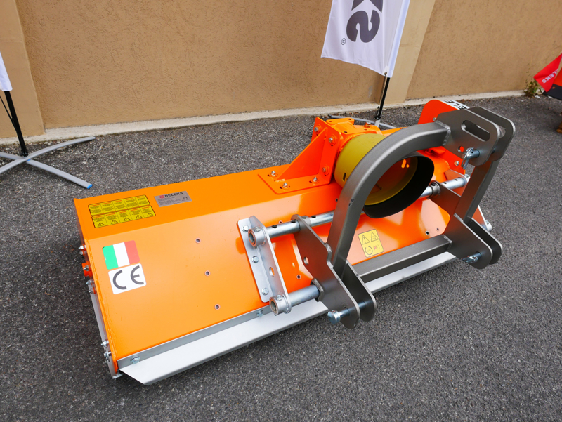 adjustable-sideshift-mower-140cm-multipurpose-mulcher-with-hammers-lince-sp140