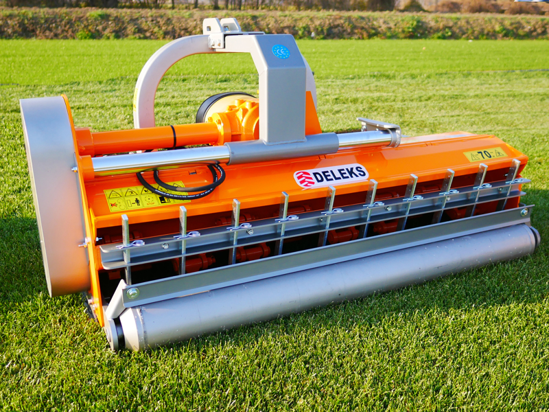 adjustable-side-shift-mower-for-tractors-shredder-with-hammers-mulcher-mod-pantera-190