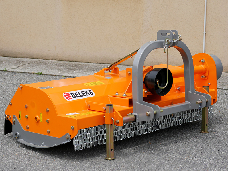 adjustable-sideshift-flail-mower-for-60-90hp-tractors-shredder-with-hammers-mulcher-mod-tigre-200