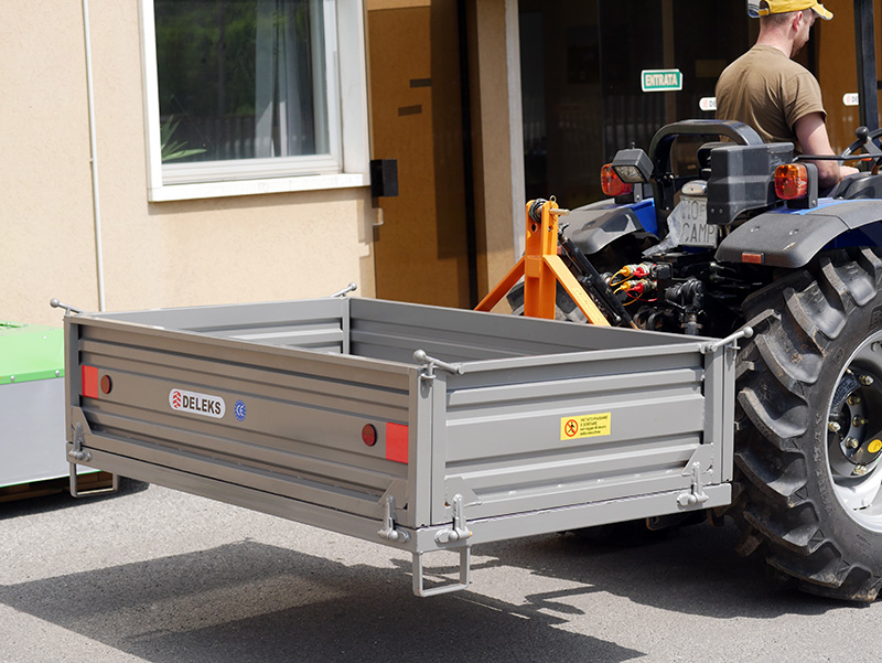 transport-box-for-tractor-t-1600