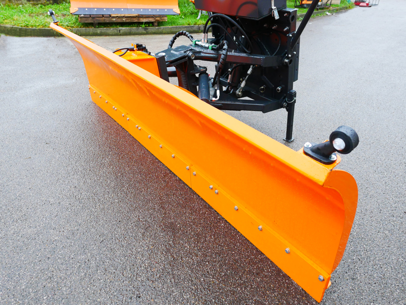 frontal-snow-plogh-with-mounting-plate-for-tractor-ssh-04-2-6-a