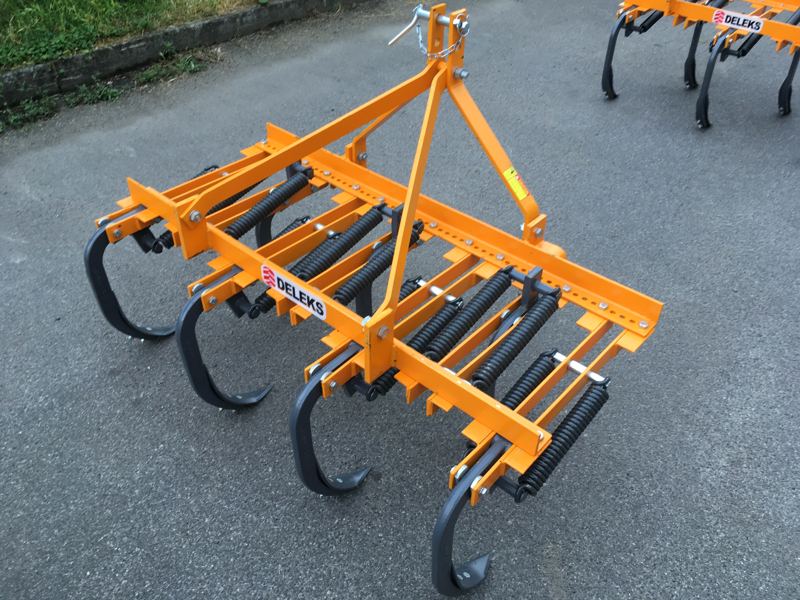 cultivator-for-tractor-width-169cm-7-tynes-for-soil-preparation-and-weeds-disrupting-mod-de-165-7