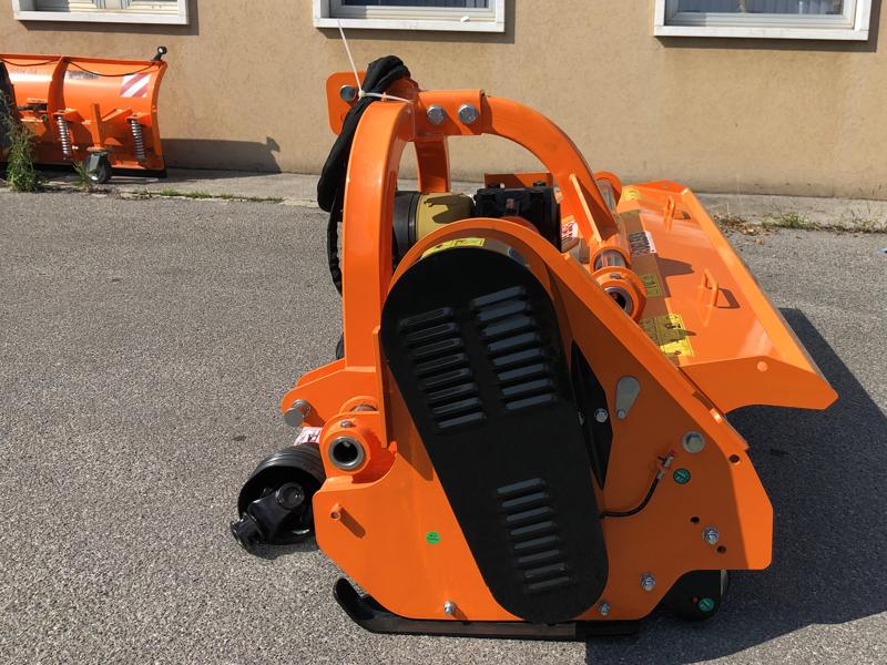adjustable-sideshift-mower-for-tractors-shredder-mulcher-toro-190