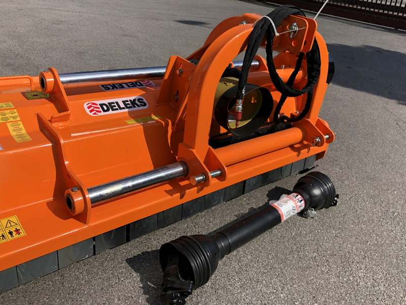 adjustable-sideshift-mower-for-tractors-shredder-mulcher-toro-200