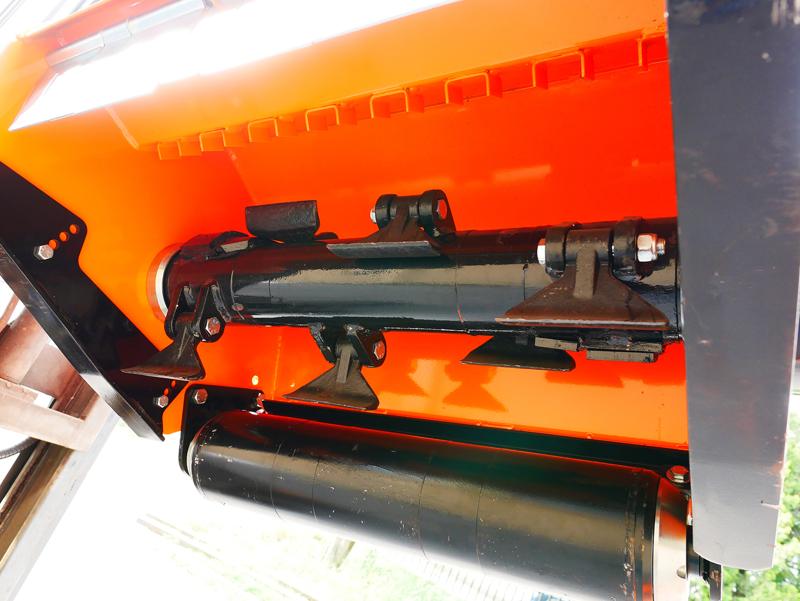 forestry-mulcher-of-80cm-for-mini-excavators-hydraulic-threscher-mod-arh-80