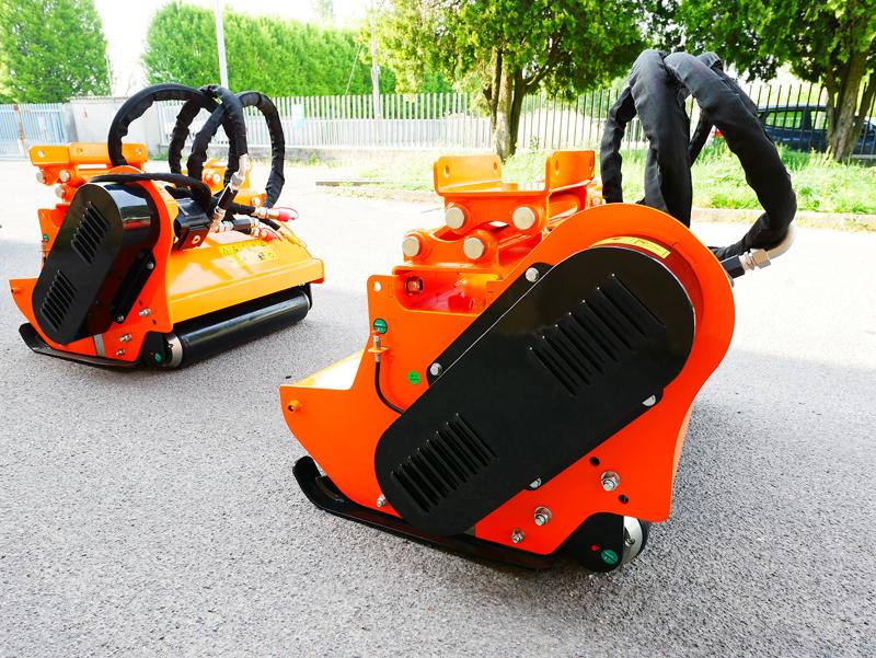 forestry-mulcher-of-100cm-for-mini-excavators-hydraulic-threscher-mod-arh-100