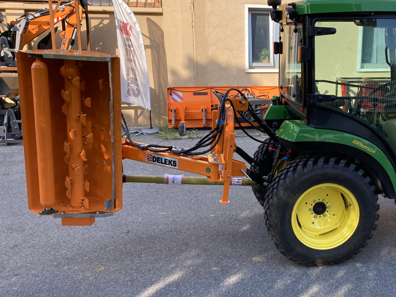 offset-verge-flail-mower-multi-use-sideshift-mulcher-for-tractors-volpe-100