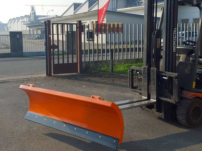 light-snow-plow-for-forklifts-lns-190-f